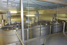 Production of stainless steel tanks